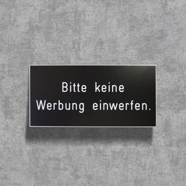 Schild: Bitte keine Werbung einwerfen