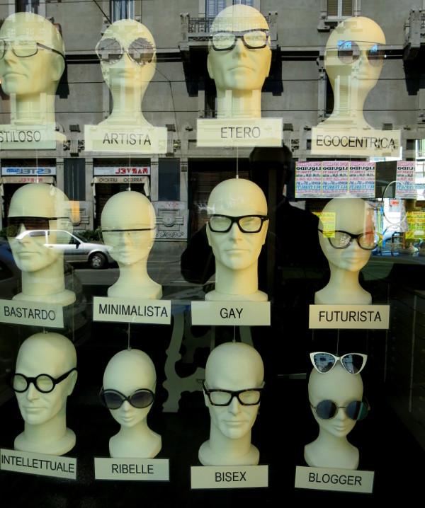 Kreative Schaufensterdeko in Mailand
