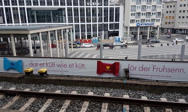 Ritter Sport wirbt für seine Dankeschön-Schokowürfel in Kölscher Mundart.