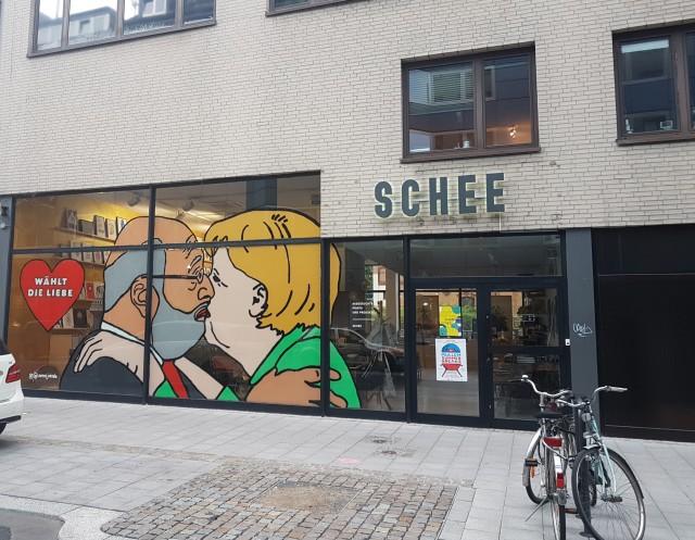 Bundestagswahl 2017 Kuss Merkel+ Schulz bei Schee in Köln